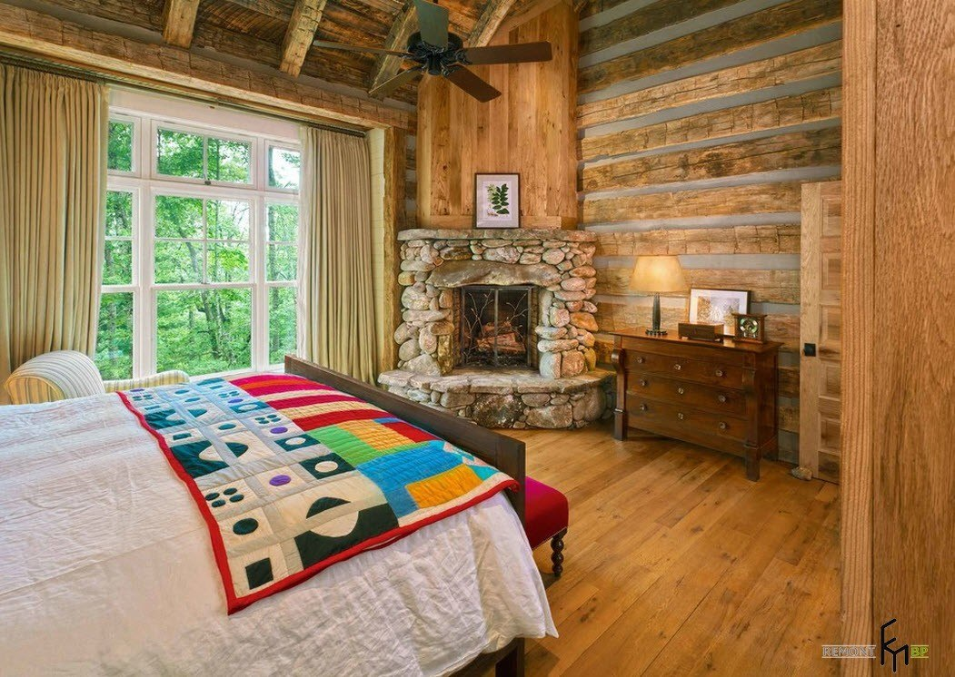 Кантри-камин в спальне