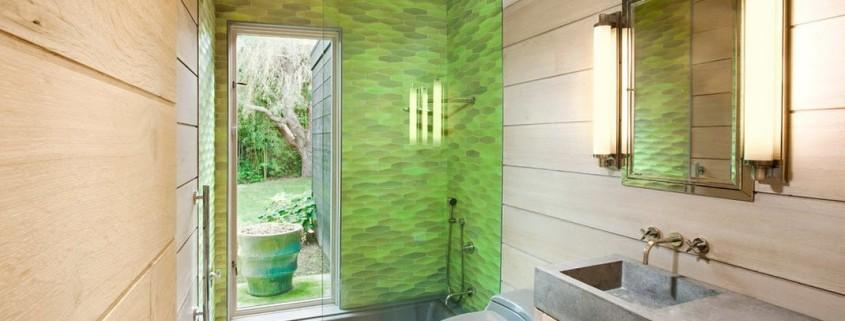 Отделка душевой кабины в ванной комнате