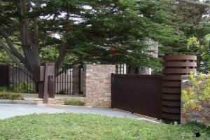 Дизайн забора для частного домовладения