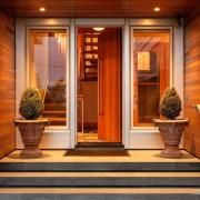 Оформление крыльца частного домовладения