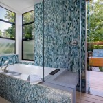 Мозаика в ванной комнате – функциональная красота
