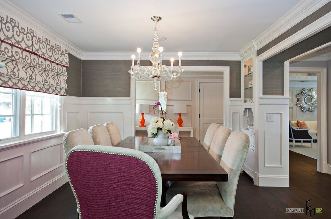 Темный стол-белые стулья