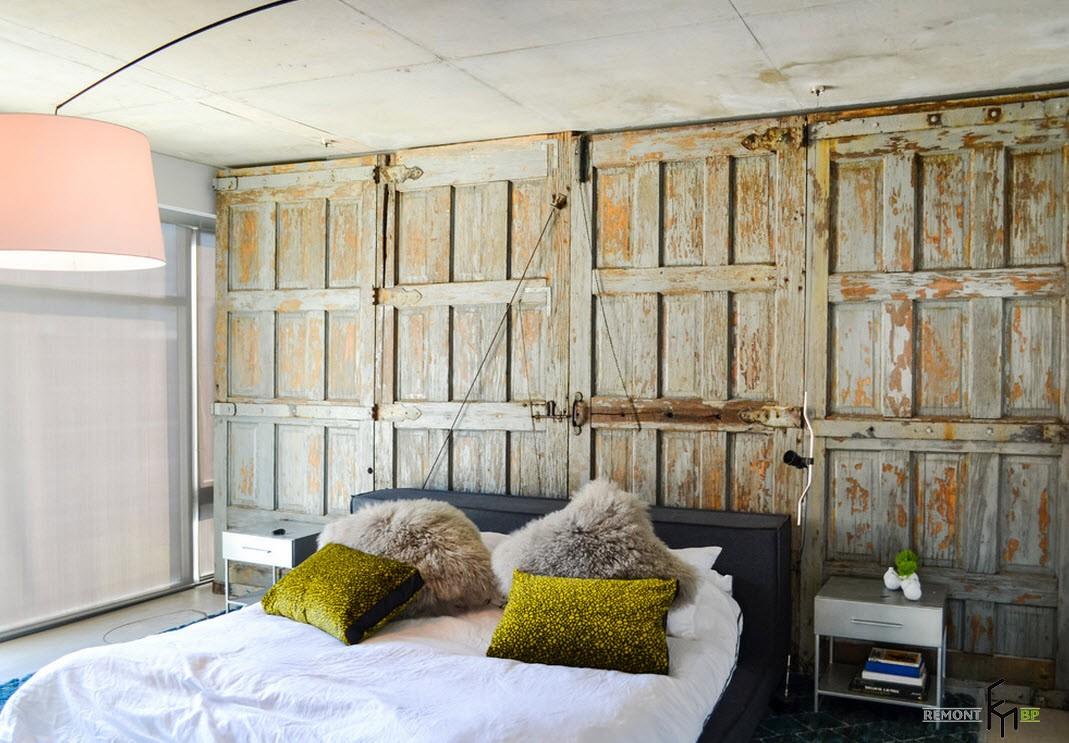Необычное оформление стены в стиле лофт