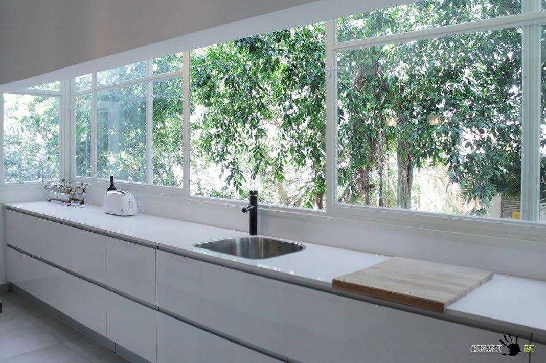 Огромные окна для кухни