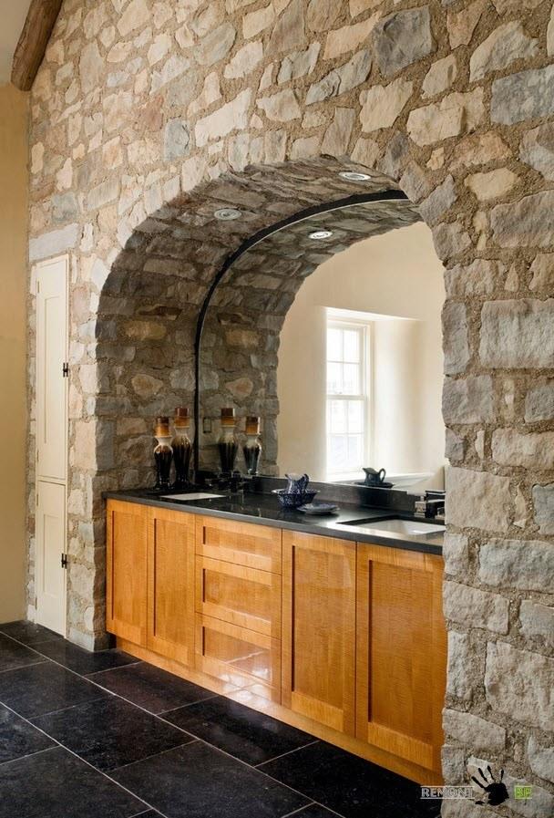 Каменная арка с прилавком