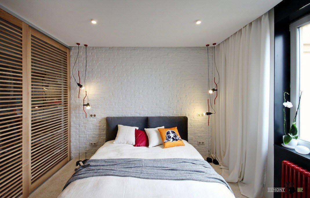 Светлая отделка в спальне