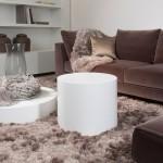 Уютное сочетание белого и коричневого в интерьере квартиры
