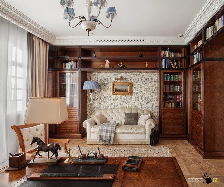 Книжные стеллажи и диванчик
