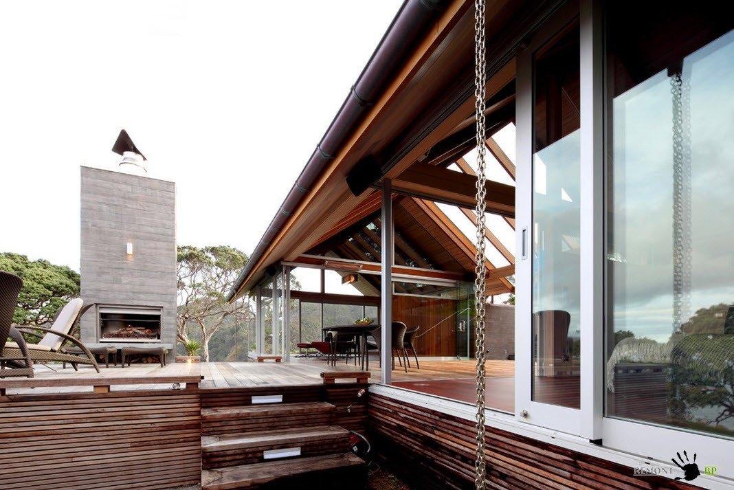 Деревянные ступени на террасу