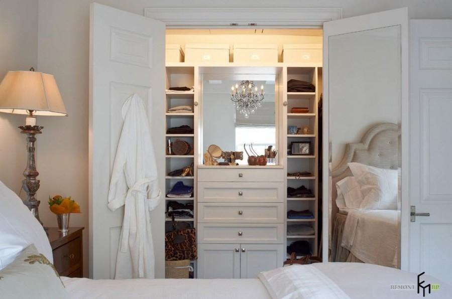 Шкаф в спальне своими руками 43