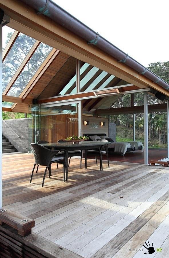 Столовая мебель на террасе