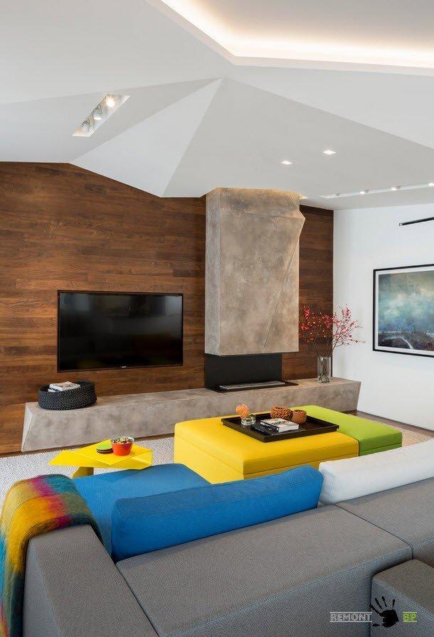 Необычное оформление гостиной в стиле фьюжн