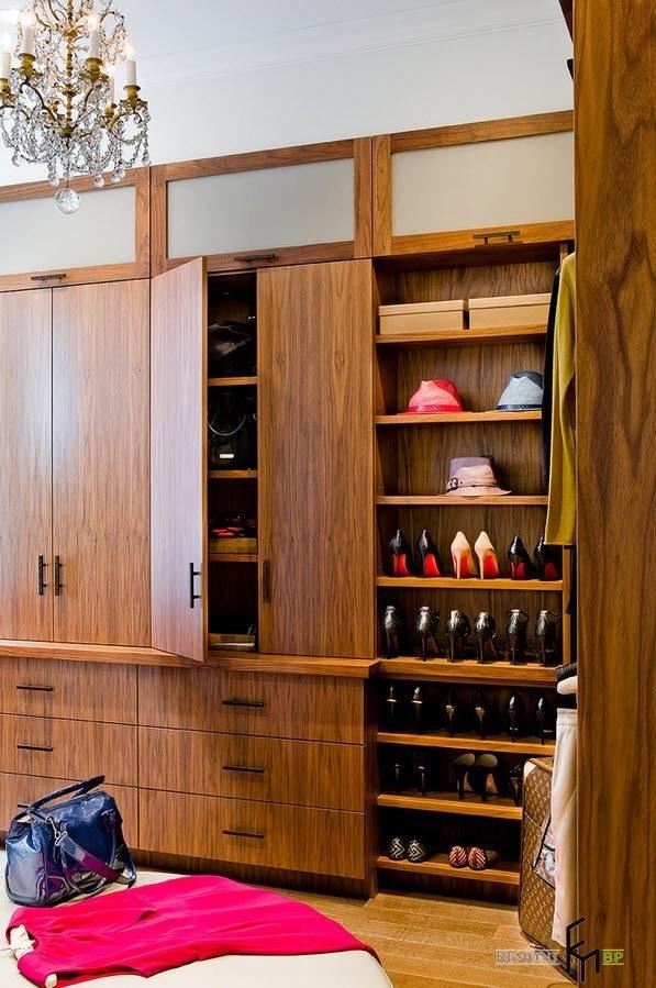 Деревянные шкафы