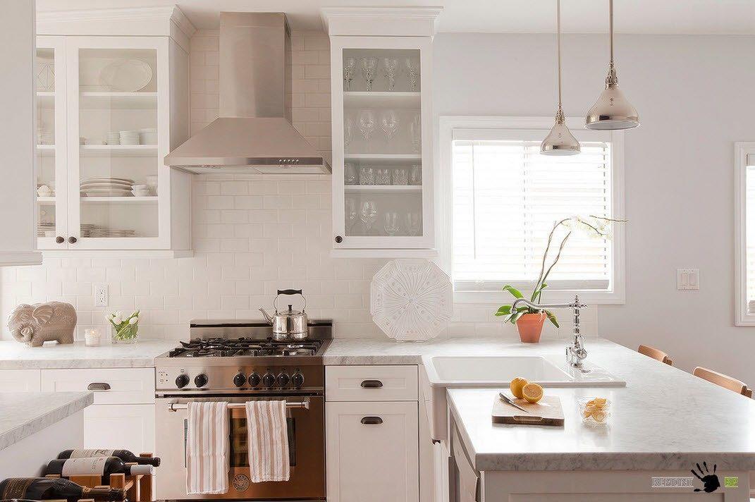 Белоснежный кухонный фартук