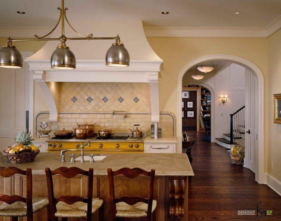 Вход в кухонное помещение