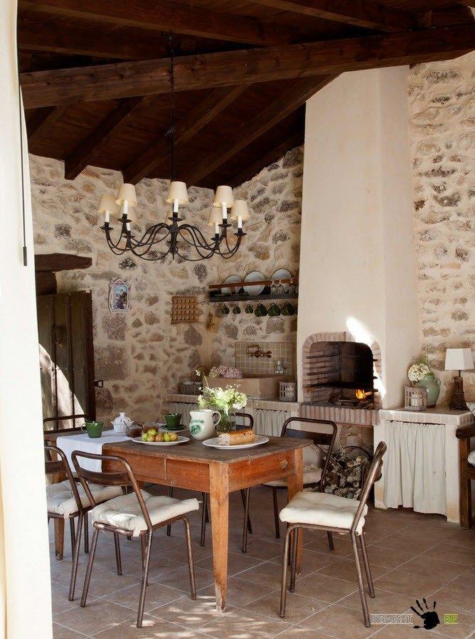 Кухня и столовая на улице