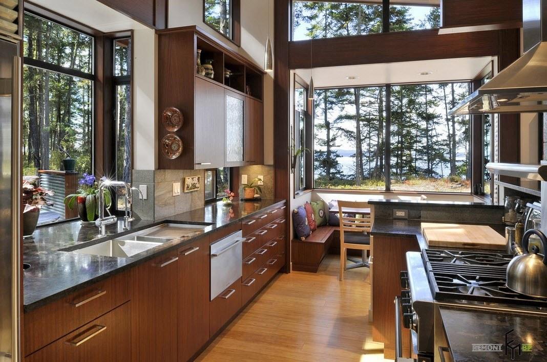 Кухонный уголок в загородном доме