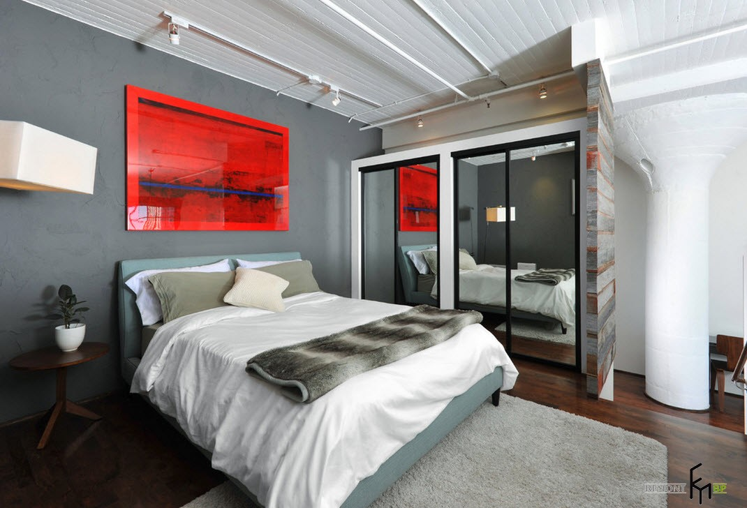 Яркоеркое пятно в спальне в стиле лофт