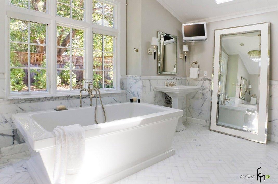 Зеркало для мраморной ванной