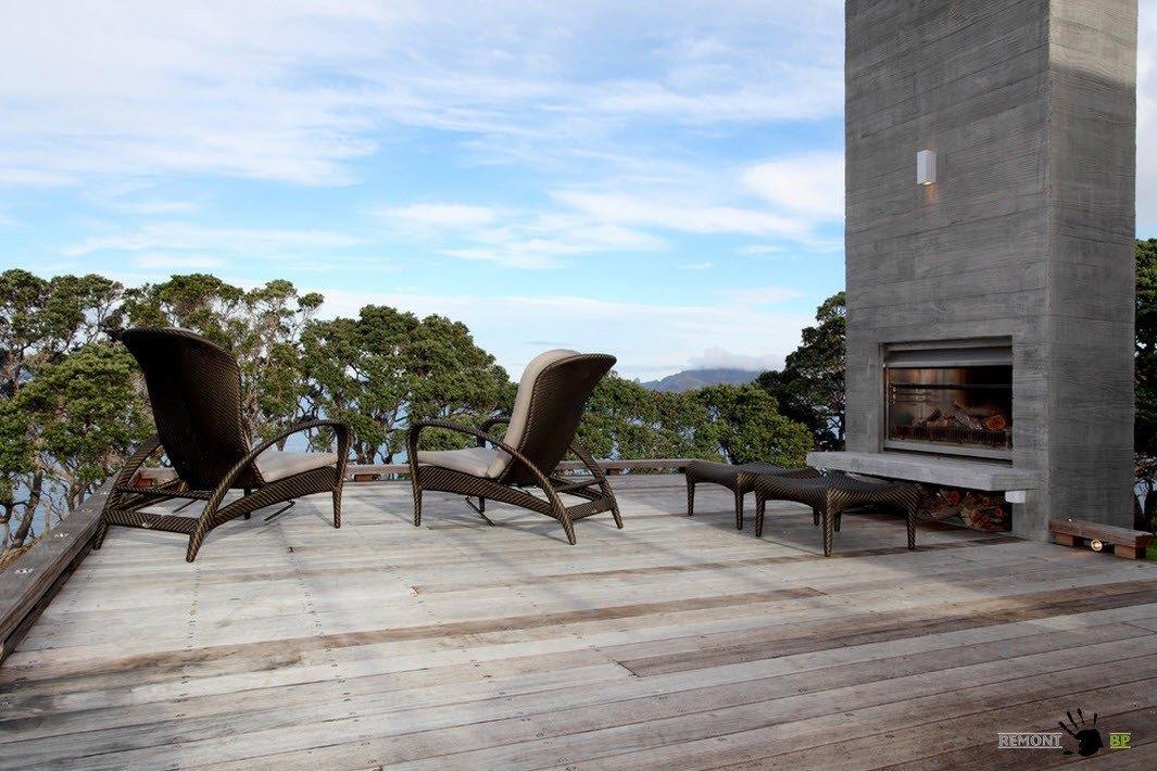 Садовая мебель на террасе