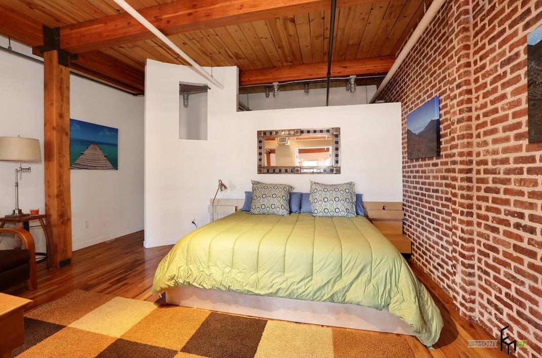 Необычный потолок в спальне