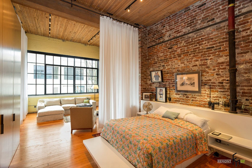 Деревянная облицовка спальни