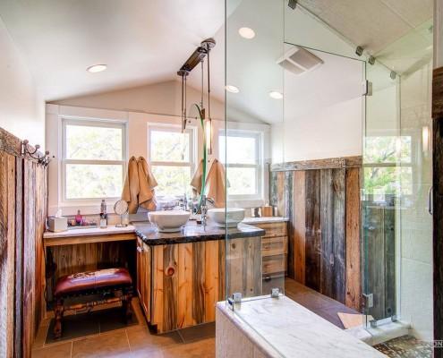 Стекло при оформлении ванной