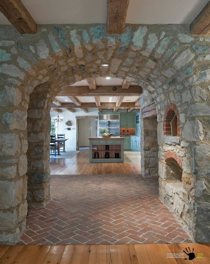 Каменный коридор