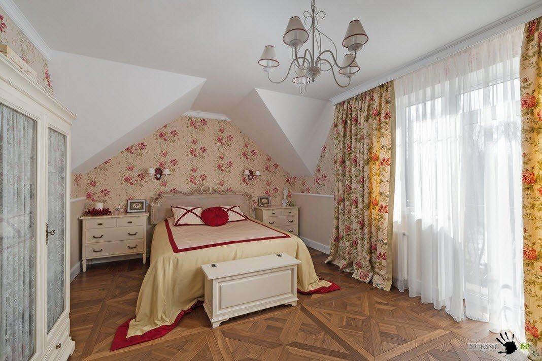 Уютный интерьер дачи в классическом стиле на фото