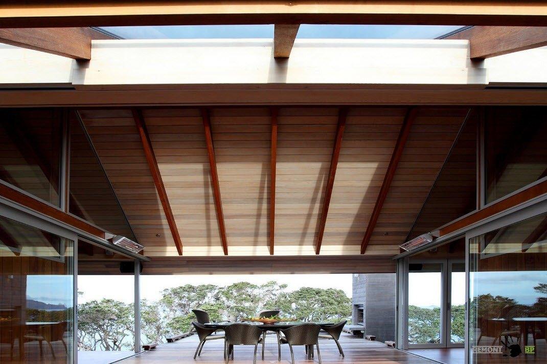 Скатная крыша над террасой