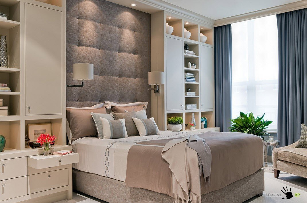Вокруг кровати
