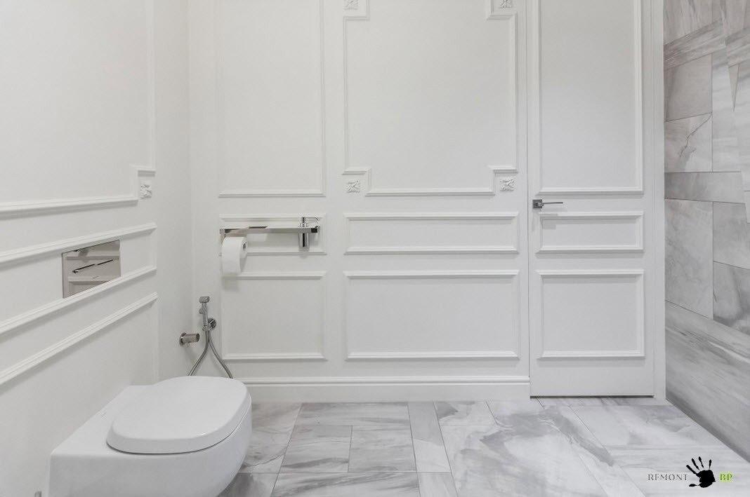 Туалет в светлых тонах
