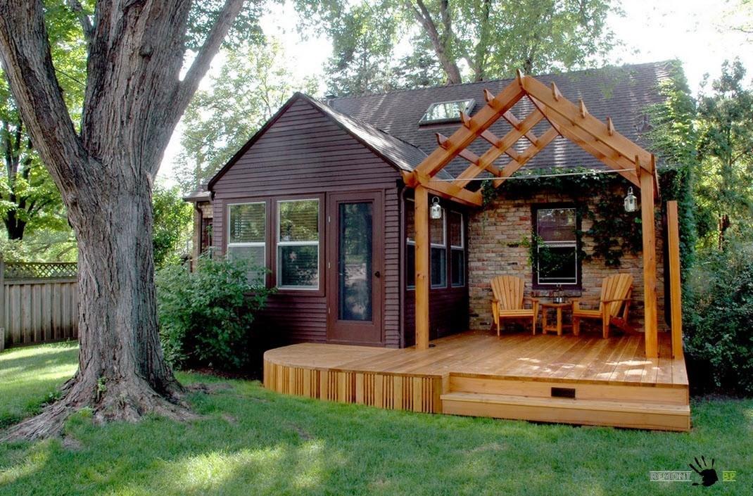 Дом из камня и дерева