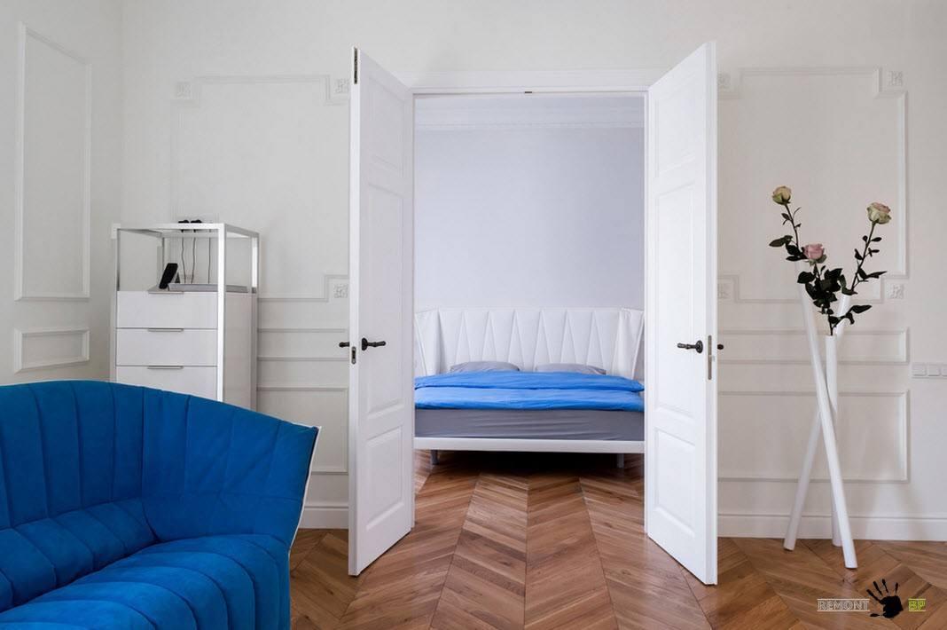 Большие двухстворчатые двери