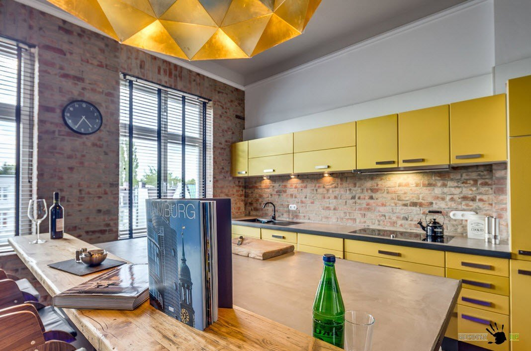 Желтые оттенки кухонного ансамбля