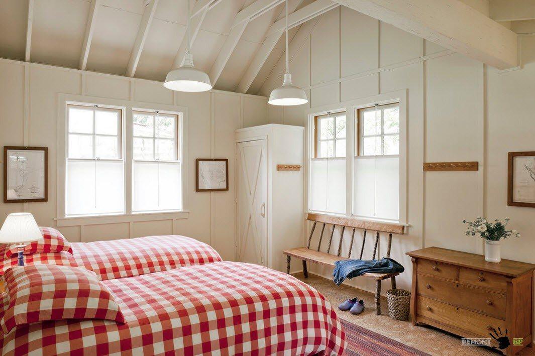 Отделка стен и потолка в спальне