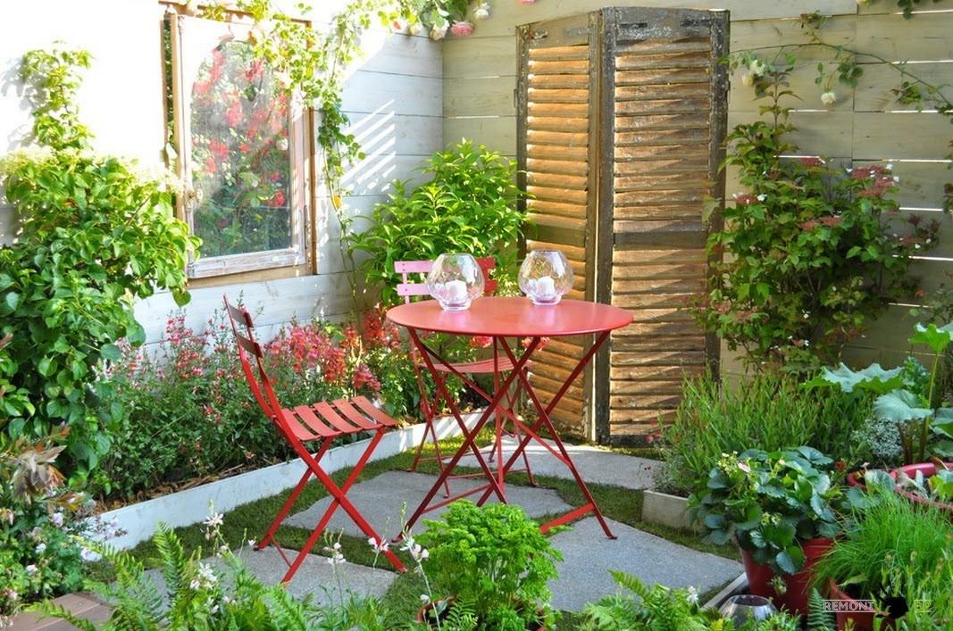 Легкая мебель для сада