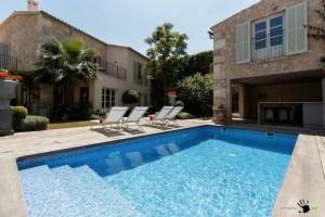 Испанская вилла с бассейном