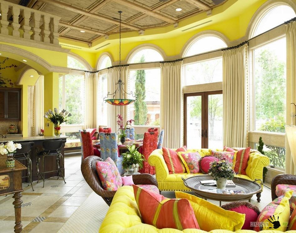 Желтый и розоватый