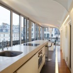 «Воздушная» квартира с панорамными окнами в Париже