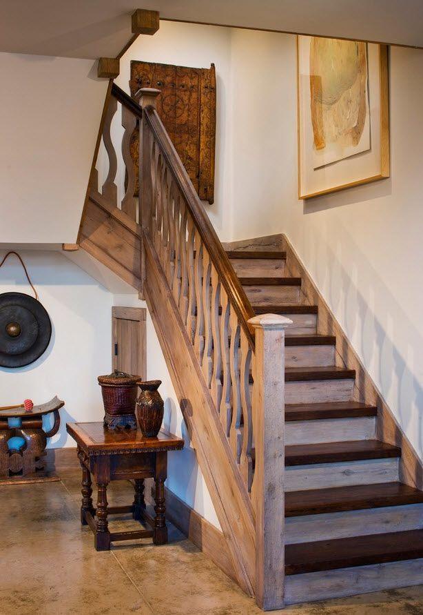 Мини-кладовая под лестницей