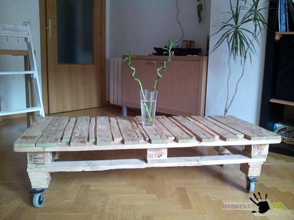 Столик на колесиках