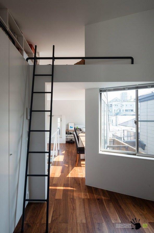 Приставная лестница на верхний уровень
