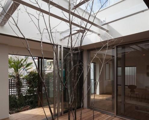 Квадратный внешний двор