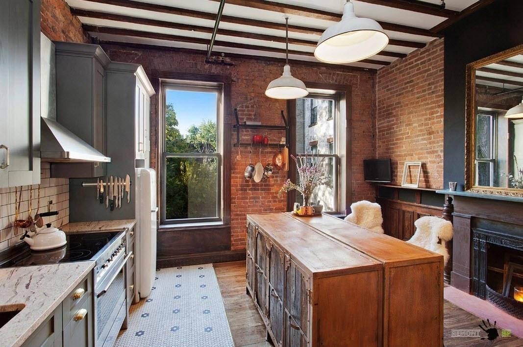 Необычная кухня с камином