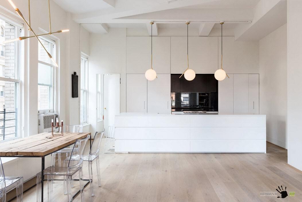 Однорядная кухня и столовая зона