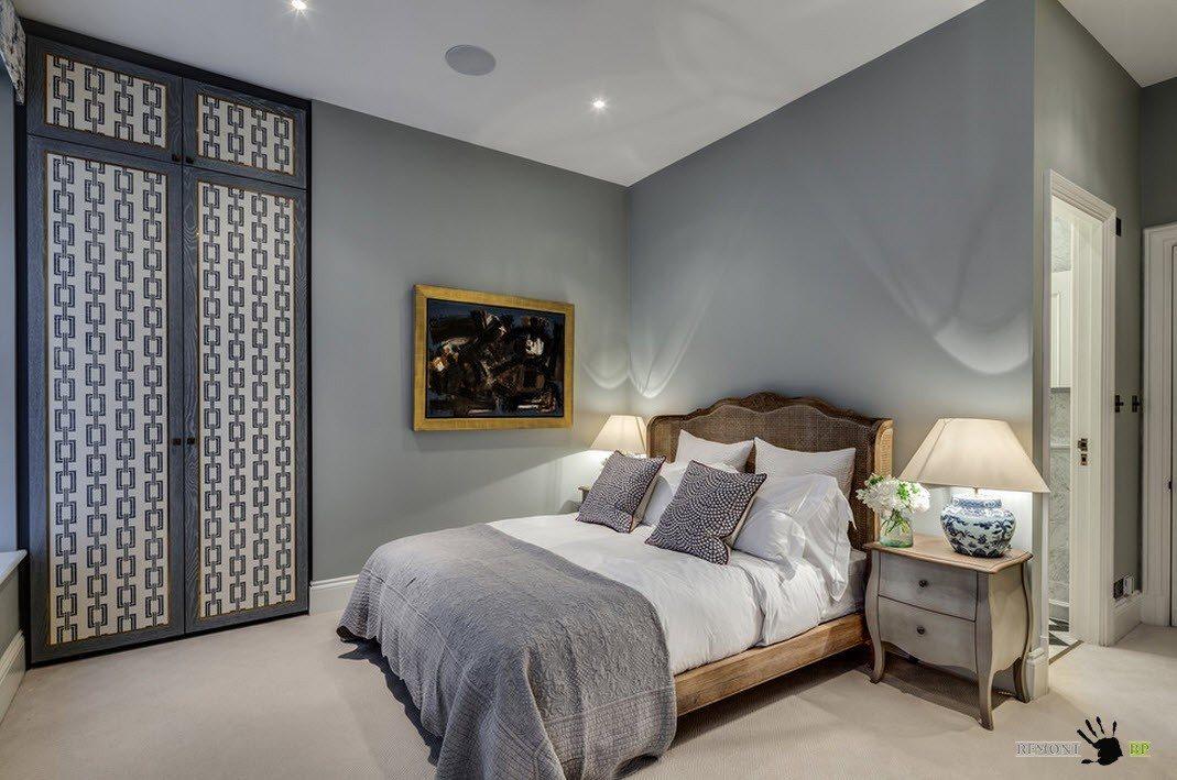 Серый оттенок на стенах спальни