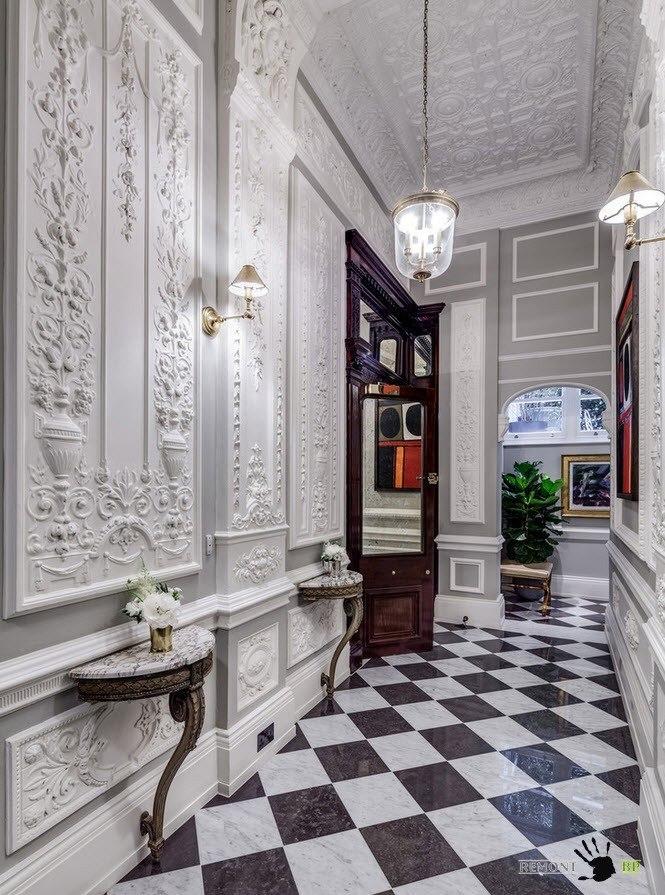 Роскошный коридор в классическом стиле