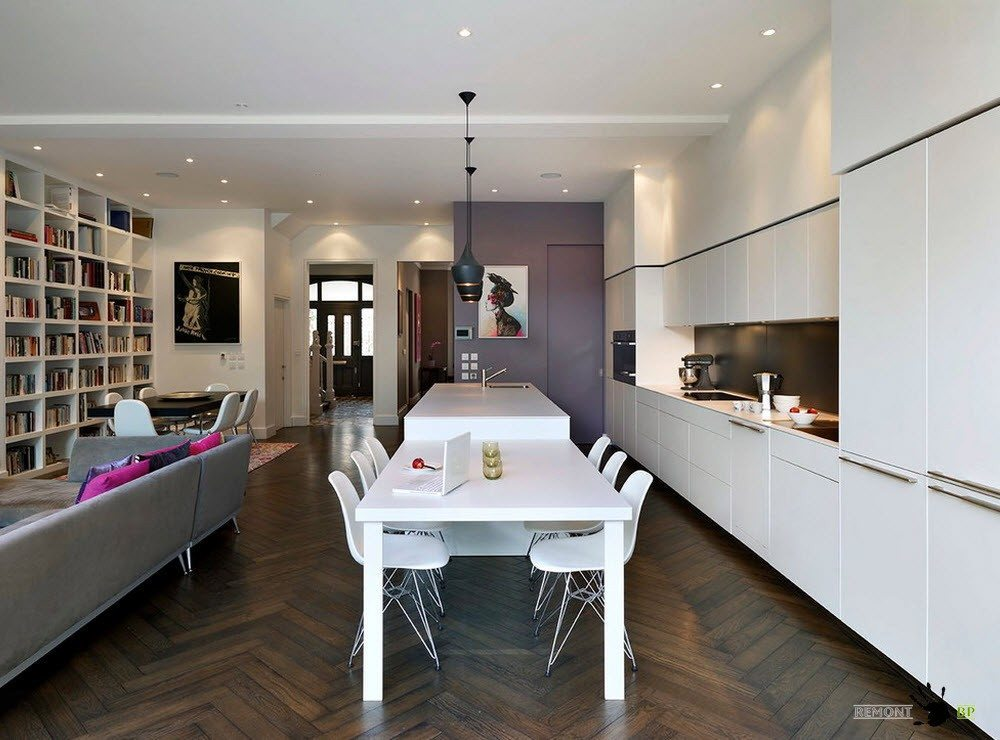 Кухня-столовая и гостиная