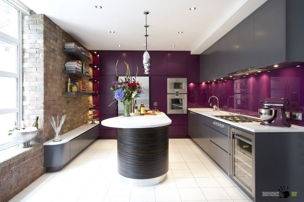Темно-серый и фиолетовый